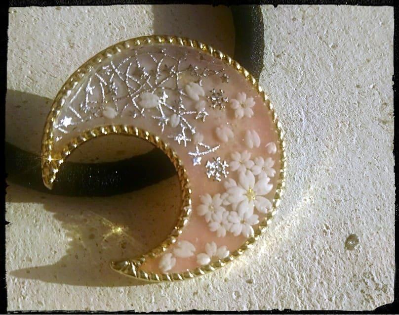 三日月と桜の光るヘアゴム・薄ピンク