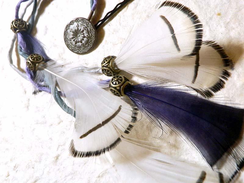 シルクリボンと羽根のヘアピン