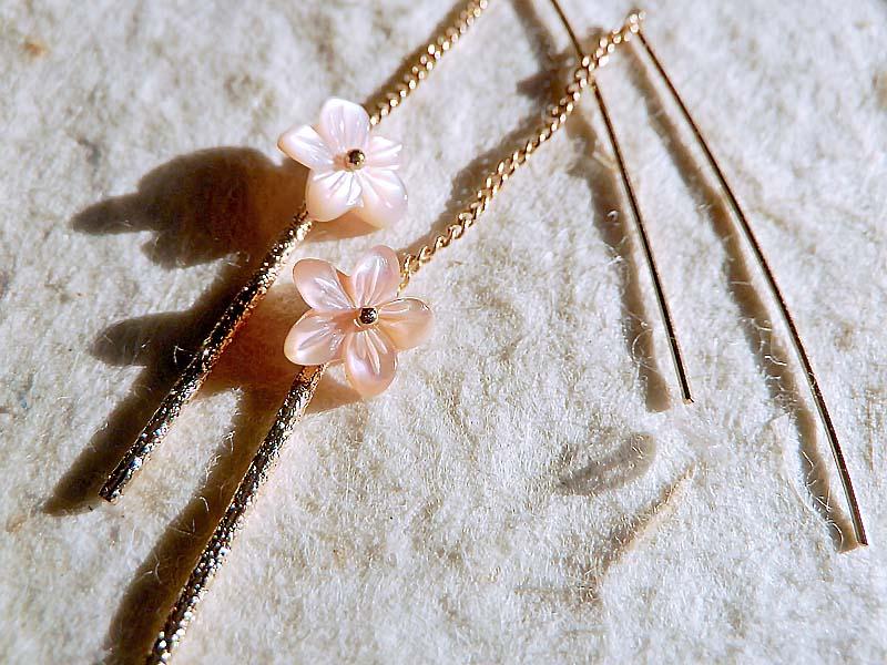 桜のアメリカンピアス