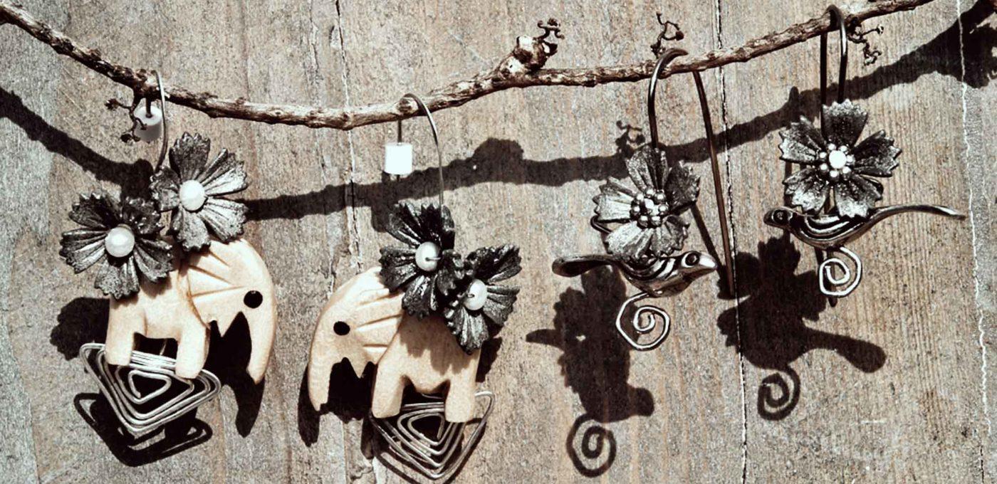 木の象と銀の鳥のピアス